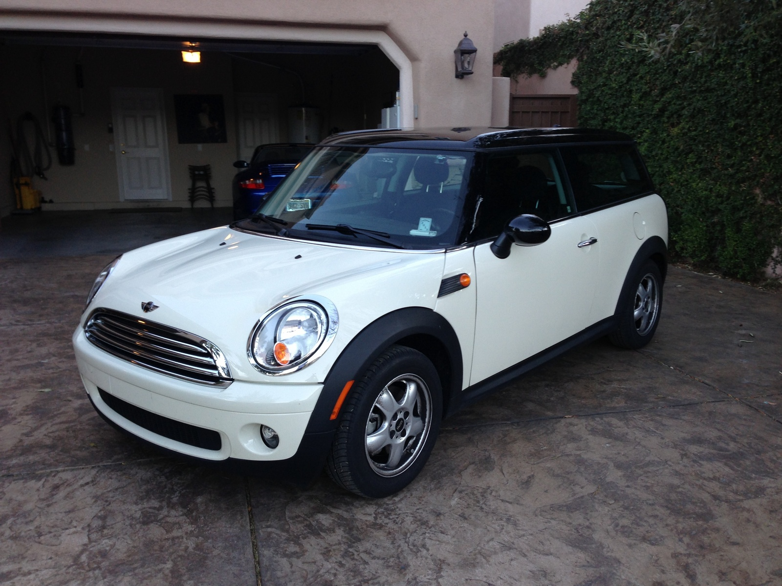 service manual 2009 mini cooper clubman coolant reservoir removal how do i remove the water. Black Bedroom Furniture Sets. Home Design Ideas