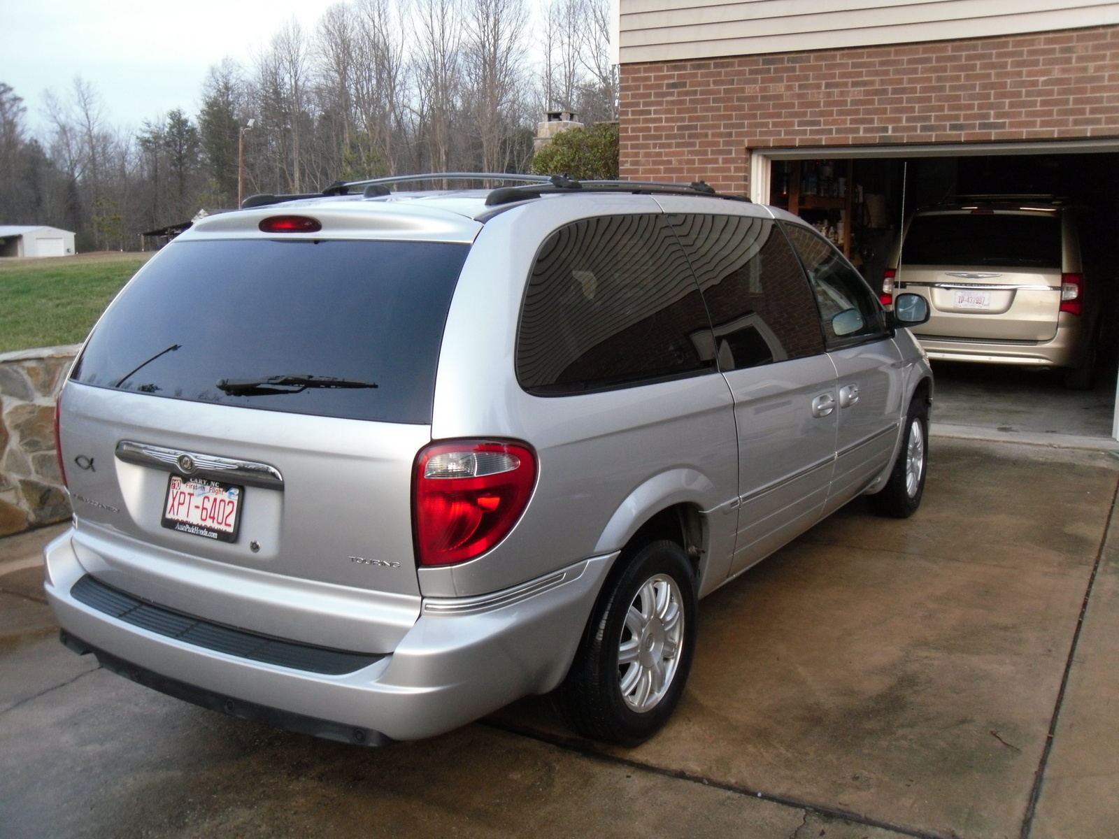 picture of 2005 chrysler town country touring exterior. Cars Review. Best American Auto & Cars Review