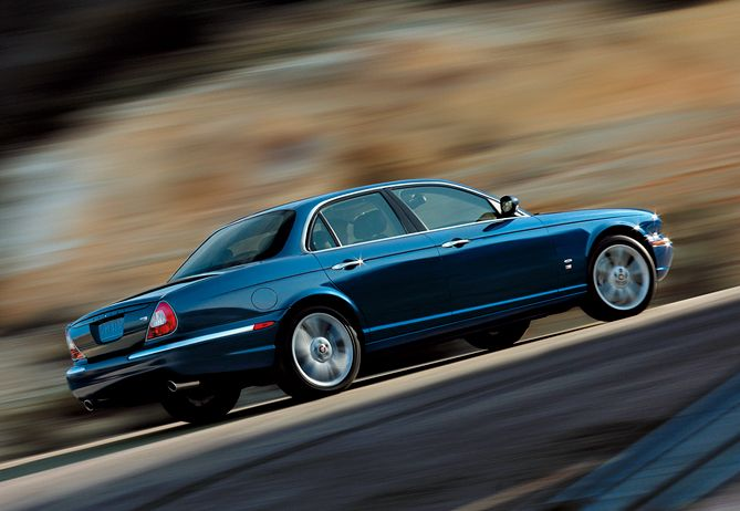 1995 Jaguar XJR 4 Dr Supercharged Sedan picture