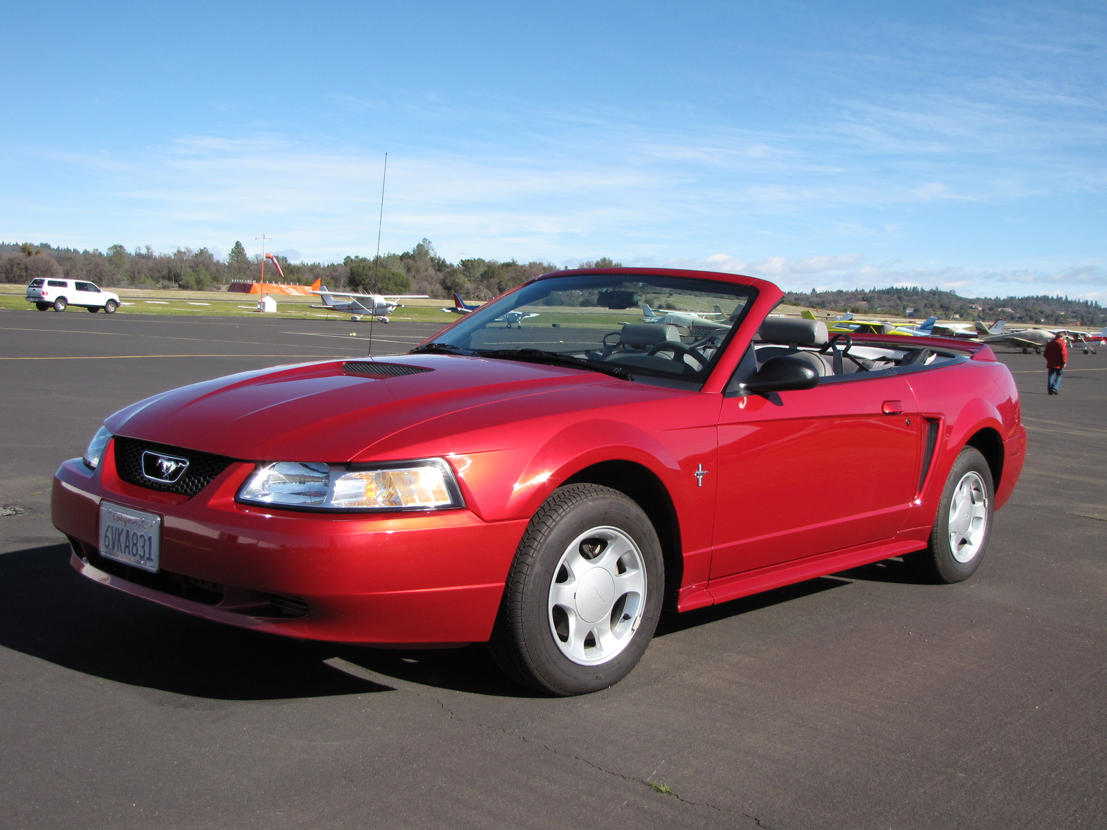 Ford Mustang Base Convertible Pic