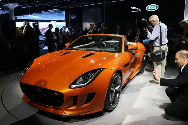 2014 Jaguar F-TYPE, Front-quarter view from an Auto Show, exterior, manufacturer, gallery_worthy