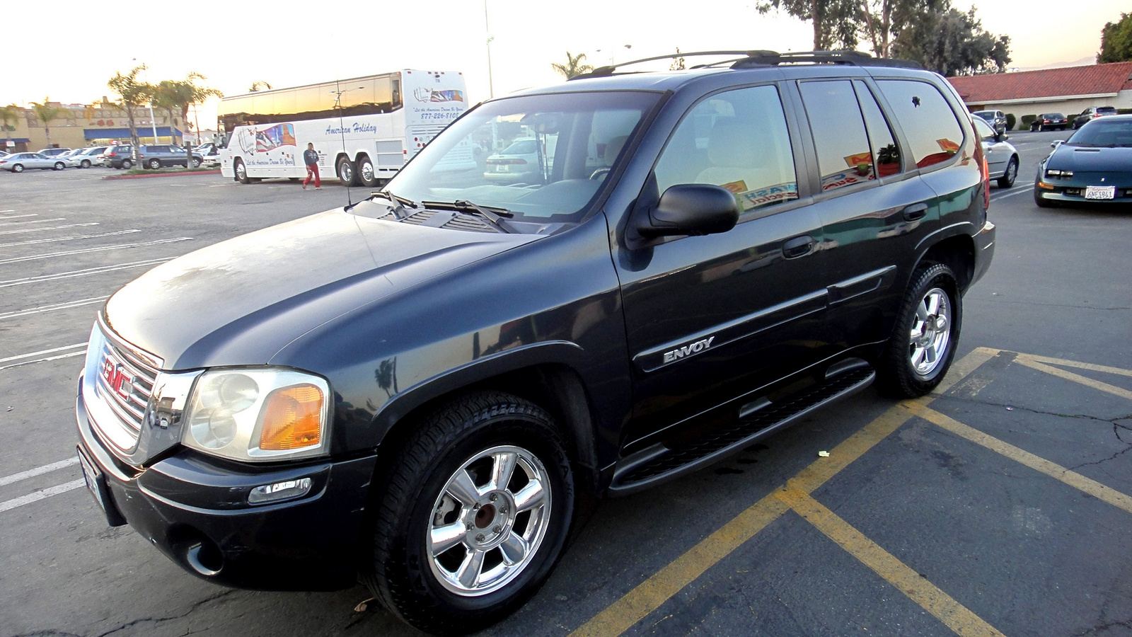 Used 2003 gmc envoy for sale pricing features edmunds for Gateway motors pierre sd