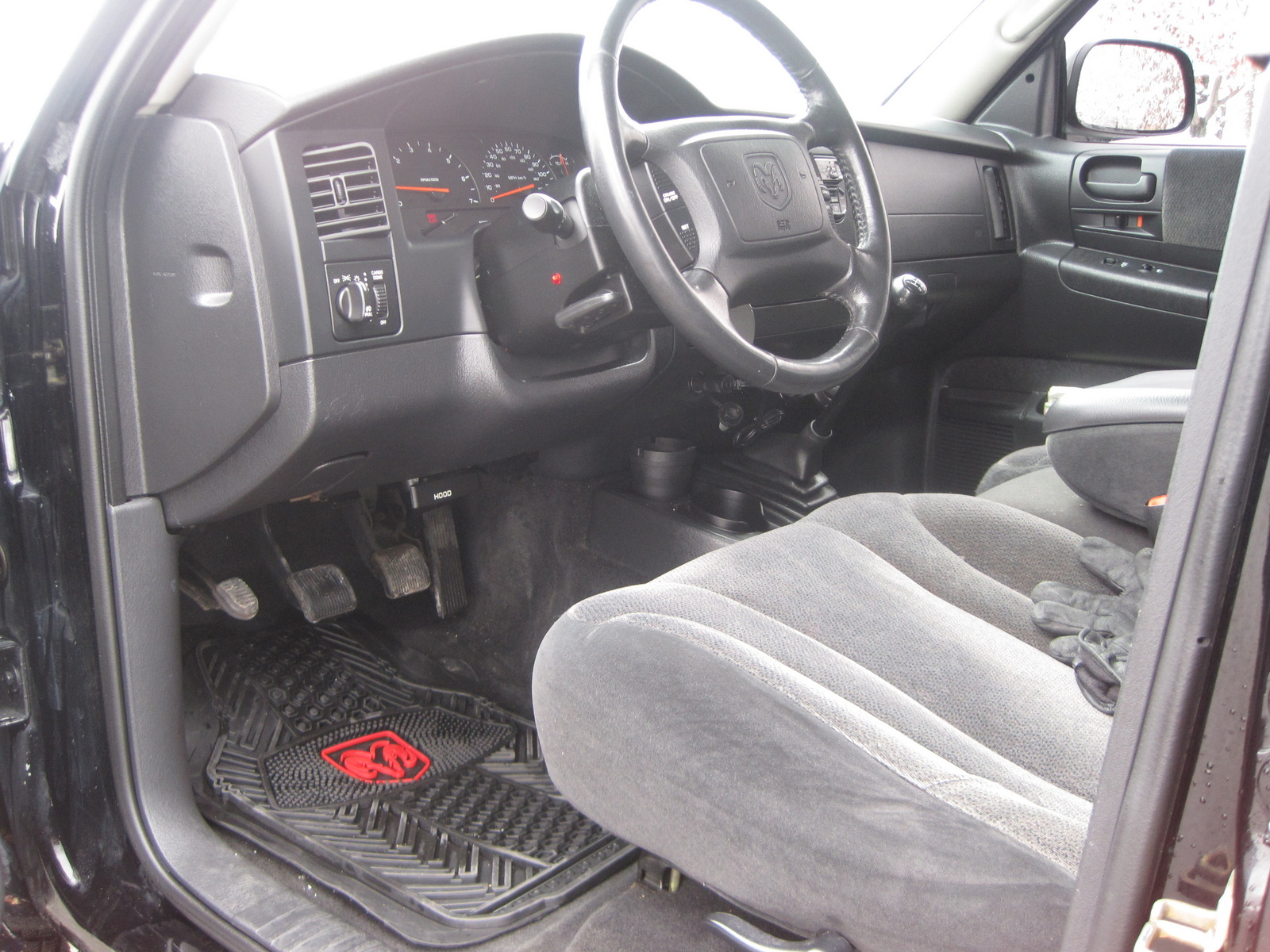 2004 dodge dakota interior pictures cargurus. Black Bedroom Furniture Sets. Home Design Ideas