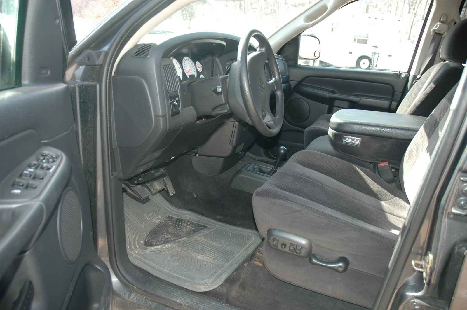 2004 dodge ram 1500 slt quad cab for sale see www html autos weblog. Black Bedroom Furniture Sets. Home Design Ideas