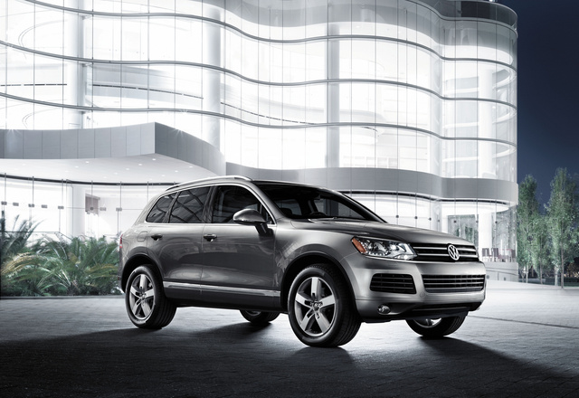 2013 Volkswagen Touareg, Front-quarter view, exterior, manufacturer, gallery_worthy