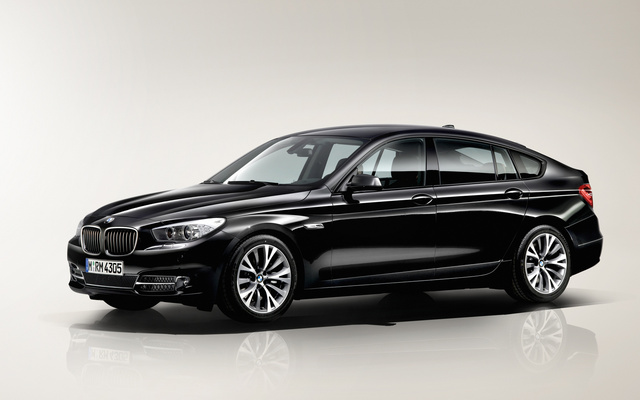 2013 BMW 5 Series Gran Turismo, Front-quarter view, exterior, manufacturer, gallery_worthy