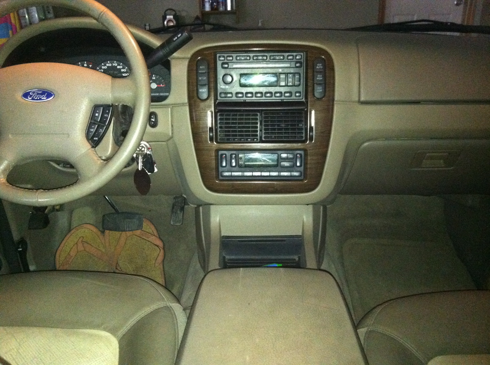 displaying 20 images for 2005 ford explorer interior - 2005 Ford Explorer Interior