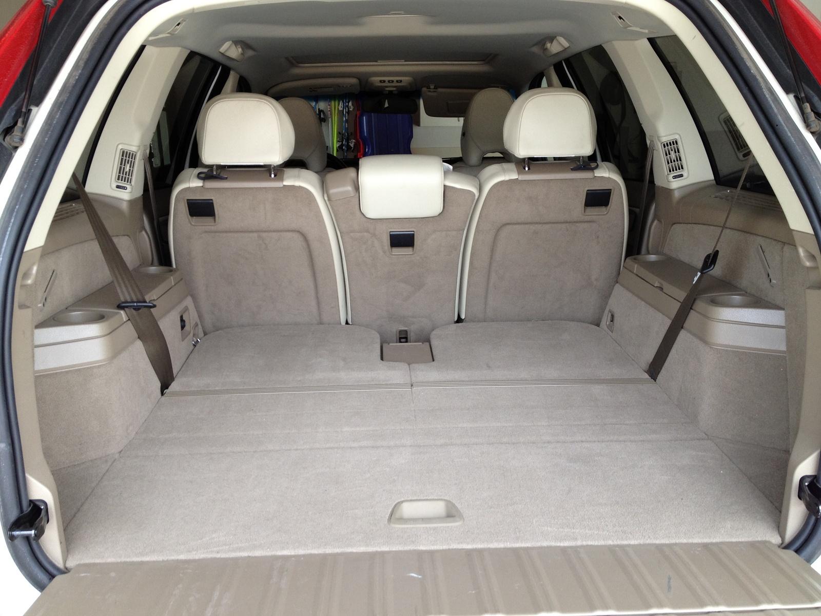 2010 Volvo XC90 - Interior Pictures - CarGurus