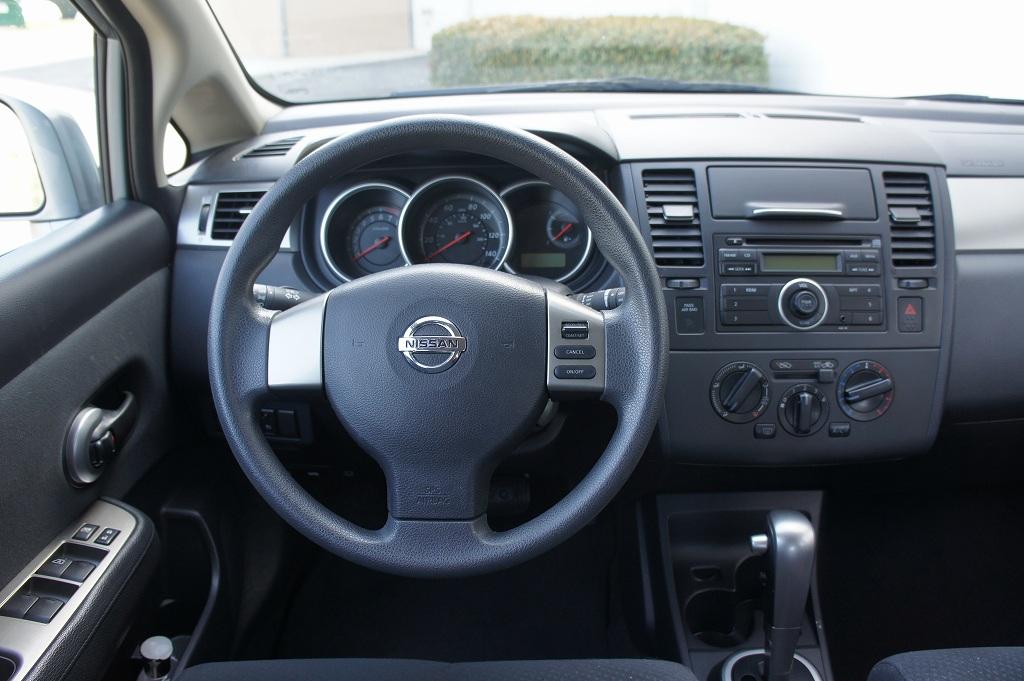 Resimleri: Nissan   Versa   1.8 (122Hp) [24] 2010 ...