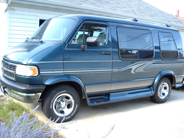 Picture of 1997 Dodge Ram Wagon 3 Dr 1500 Passenger Van