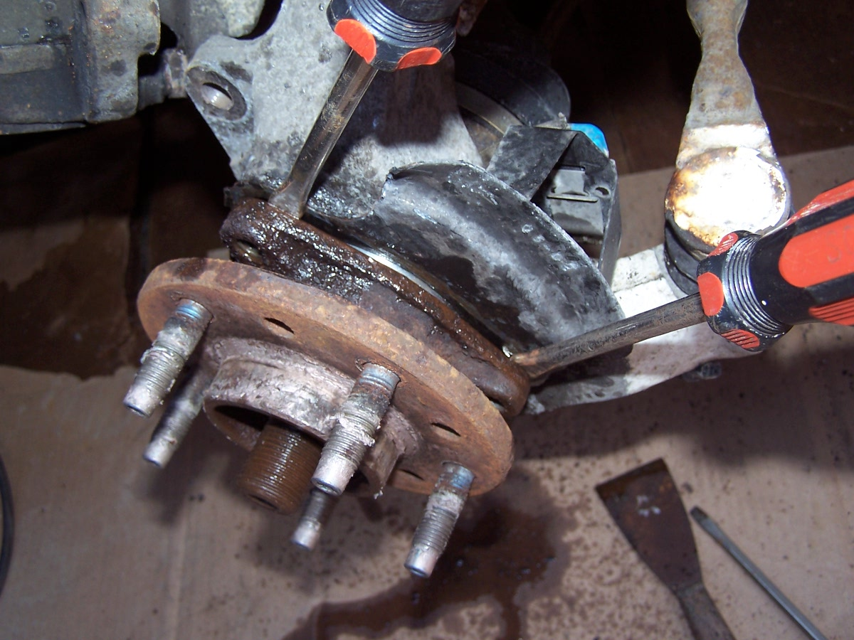 how to detect which side of wheel bearing to change