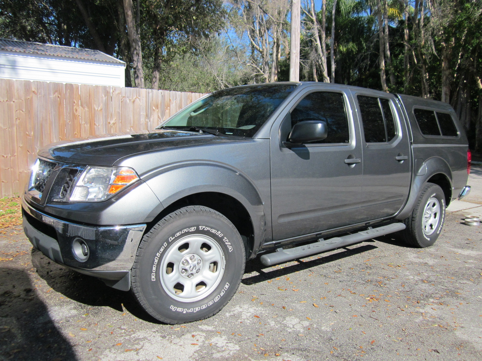 2009 nissan frontier pictures cargurus. Black Bedroom Furniture Sets. Home Design Ideas
