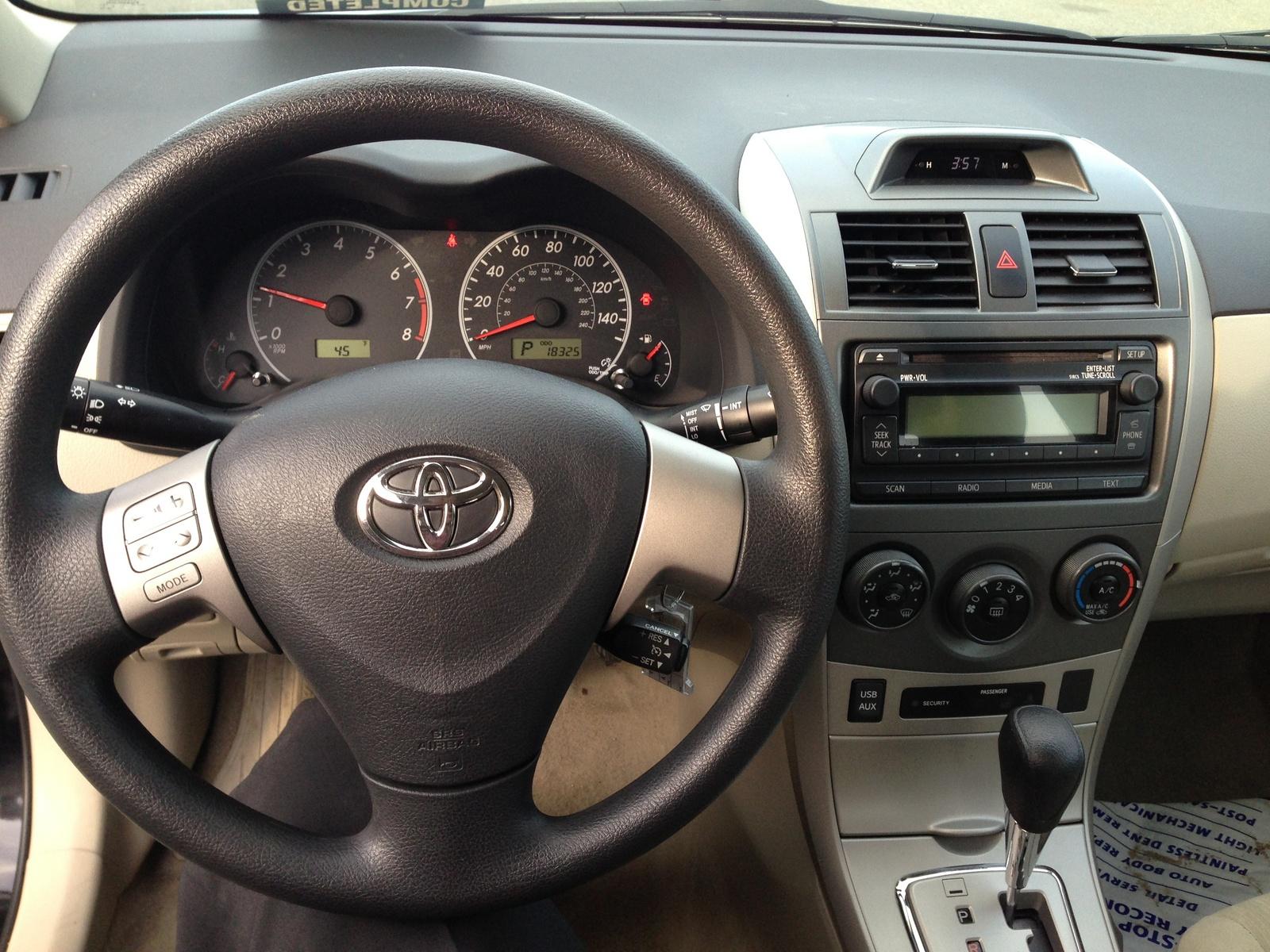 2012 Toyota Corolla Le Interior Pictures