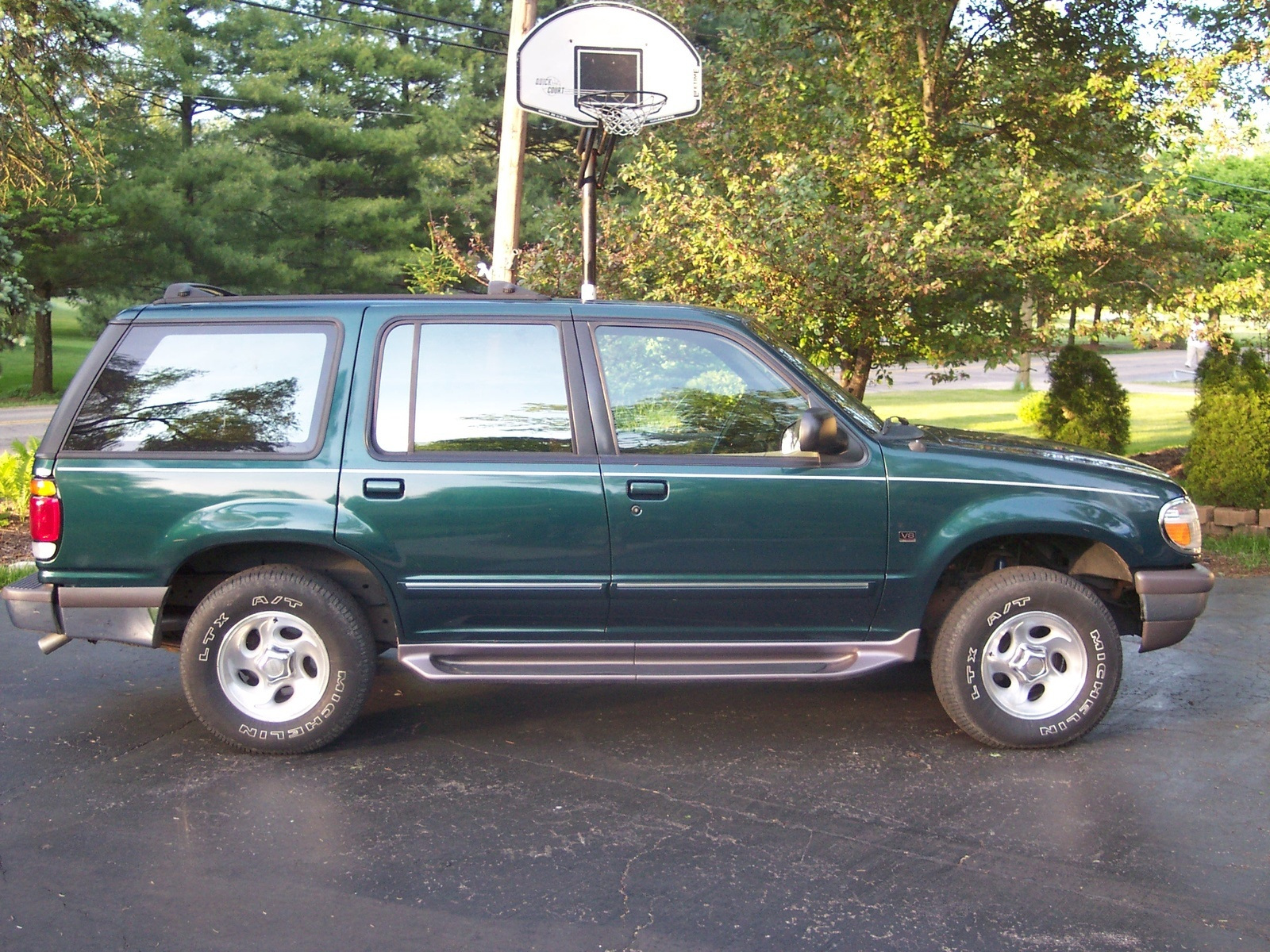 Hi i have a FORD EXPLORER 4L V6 1997 i it dont want to start we check the  fuel pump and spark plugs and thats fine when you start it back fires ...