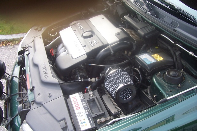 Picture of 1998 Volvo V40, engine