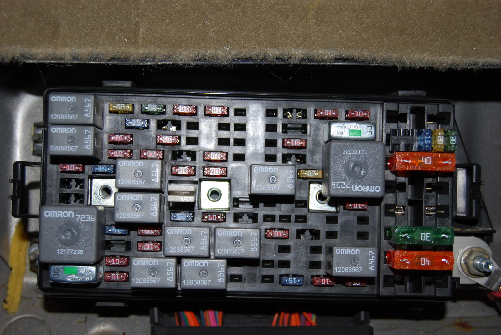 cadillac deville 2004 fuse box diagram