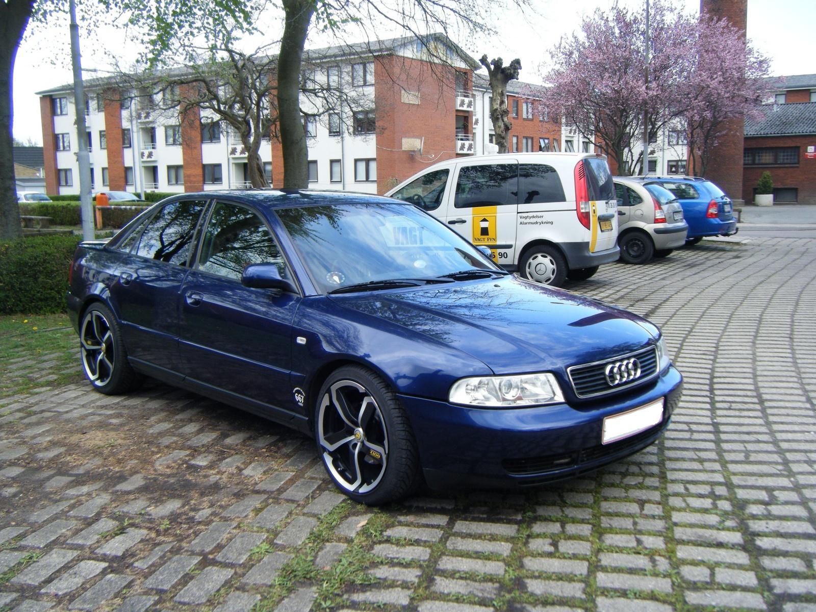 Audi a4 avant 2008 interior 11