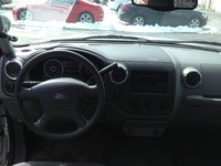 Picture of 2005 Ford Expedition XLT 4WD, interior