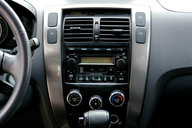 Picture of 2005 Hyundai Tucson GLS 4WD, interior, gallery_worthy