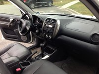 Picture of 2005 Toyota RAV4 Base 4WD, interior, gallery_worthy