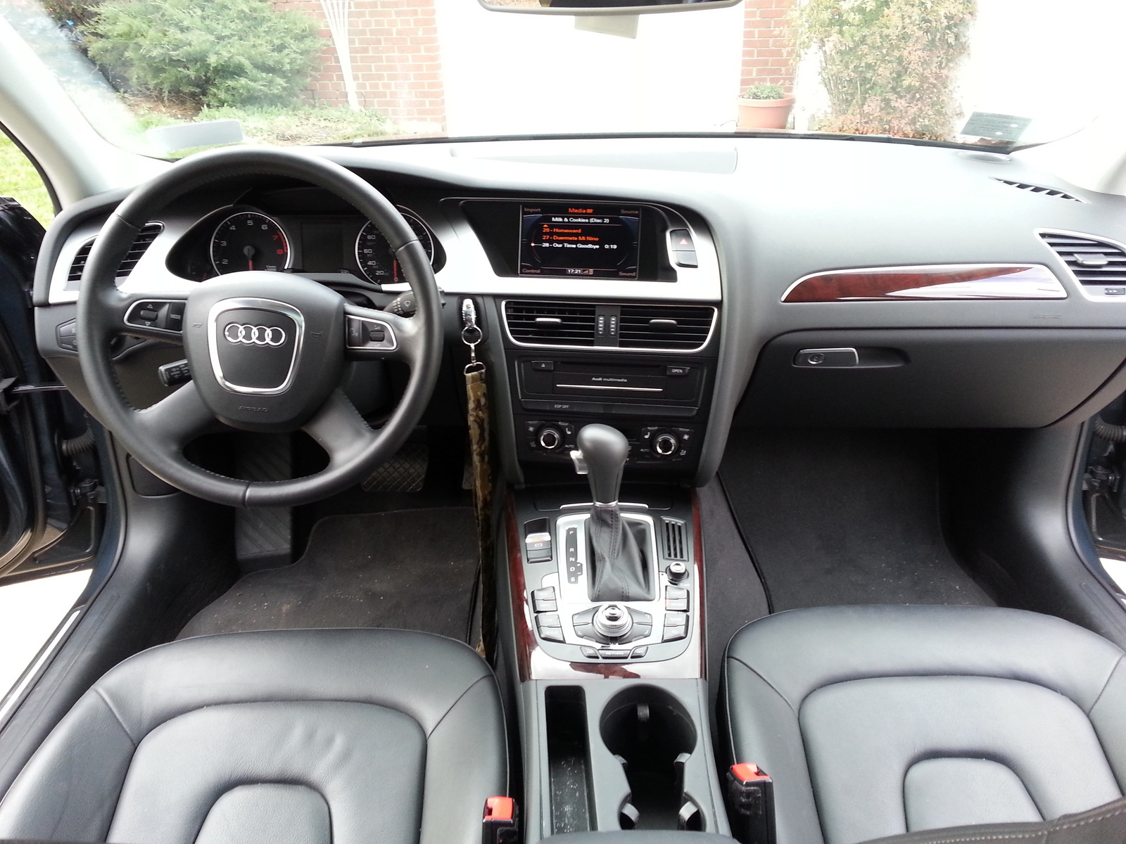 2010 audi a4 avant interior pictures cargurus. Black Bedroom Furniture Sets. Home Design Ideas
