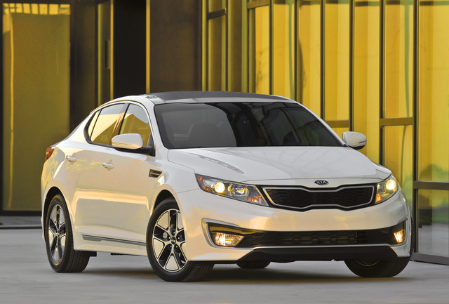 2013 Kia Optima Hybrid, Front-quarter view, exterior, manufacturer, gallery_worthy