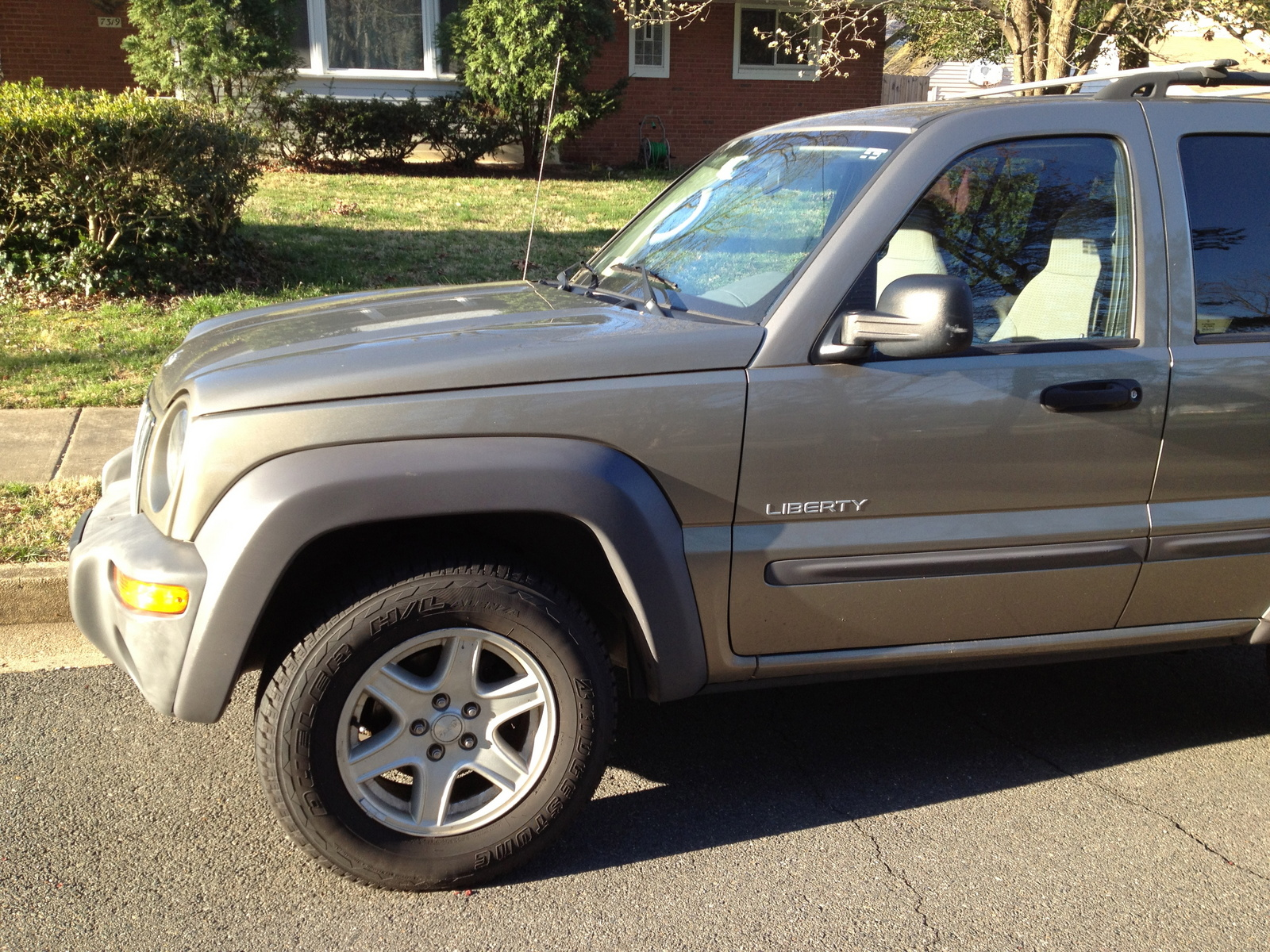 picture of 2004 jeep liberty sport exterior. Cars Review. Best American Auto & Cars Review