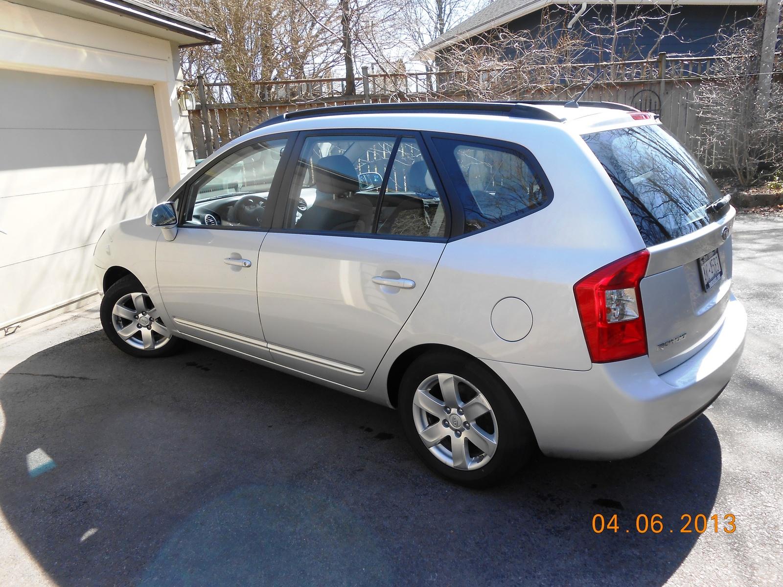 2008 Kia Rondo LX V6 picture, exterior