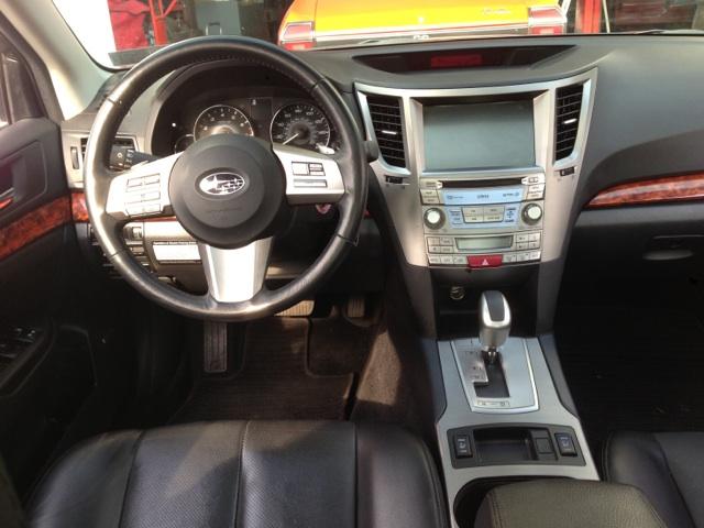 Subaru Legacy 3.6 R >> 2010 Subaru Legacy - Interior Pictures - CarGurus