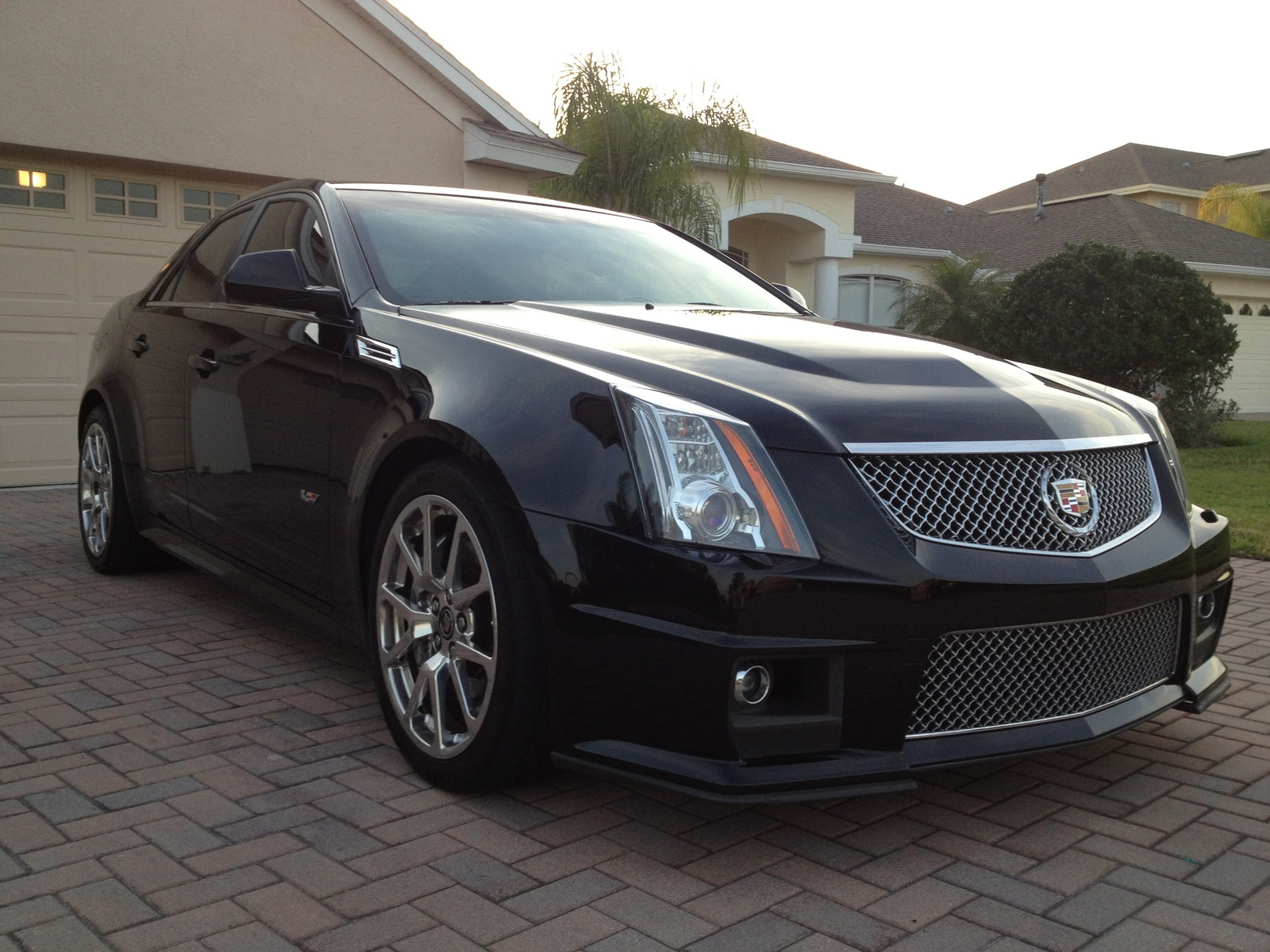 2010 cadillac cts v pictures cargurus. Black Bedroom Furniture Sets. Home Design Ideas