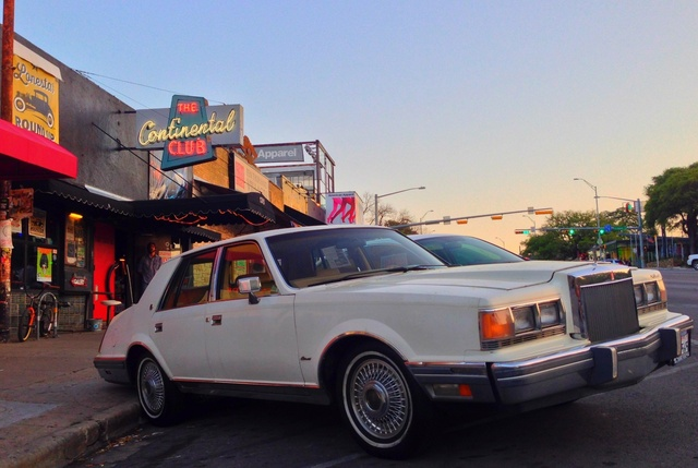 Picture of 1983 Lincoln Continental Base, exterior