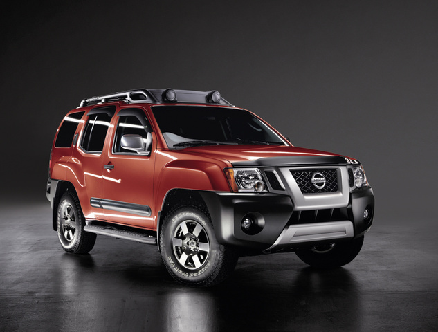 2013 Nissan Xterra, Front-quarter view, exterior, manufacturer, gallery_worthy