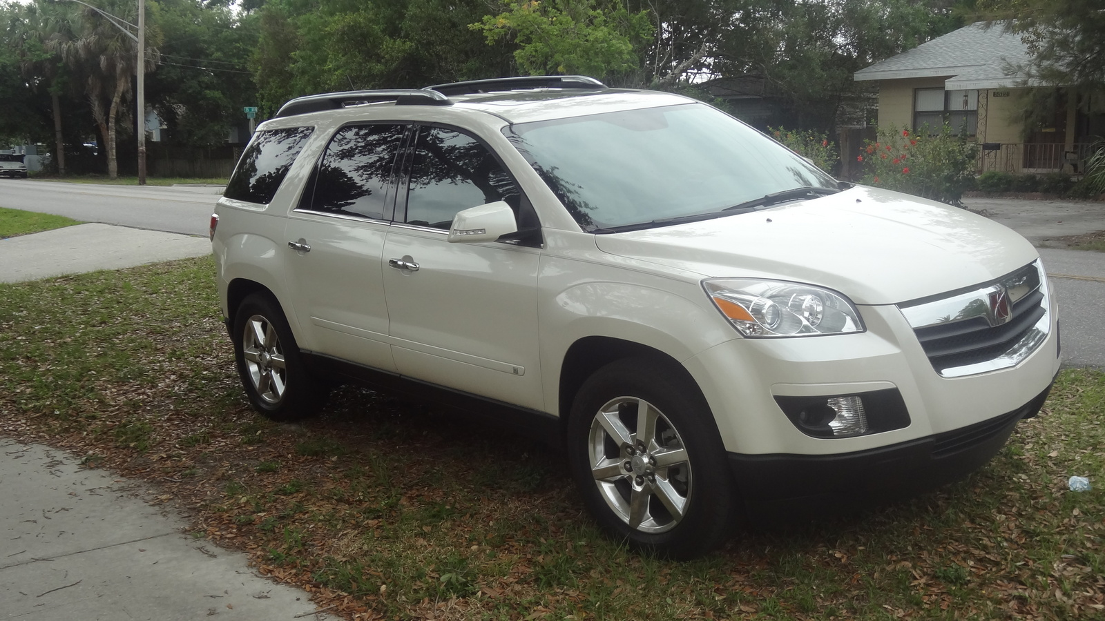 Saturn Outlook Xr Awd Pic