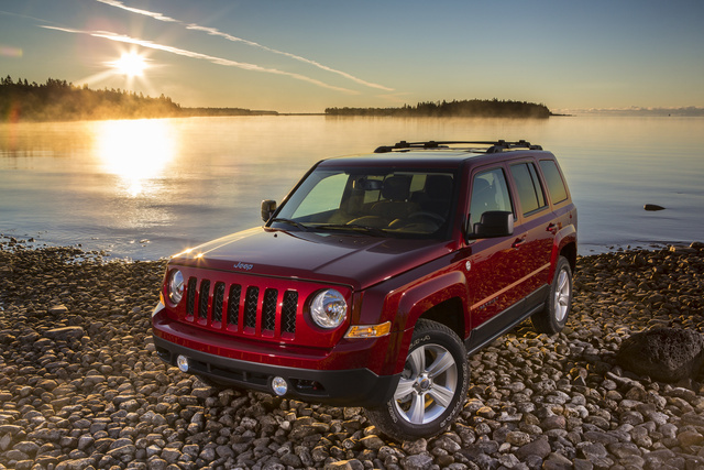 2014 Jeep Patriot, Front-quarter view, exterior, manufacturer