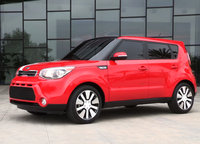 2014 Kia Soul, Front-quarter/side view, exterior, manufacturer, gallery_worthy