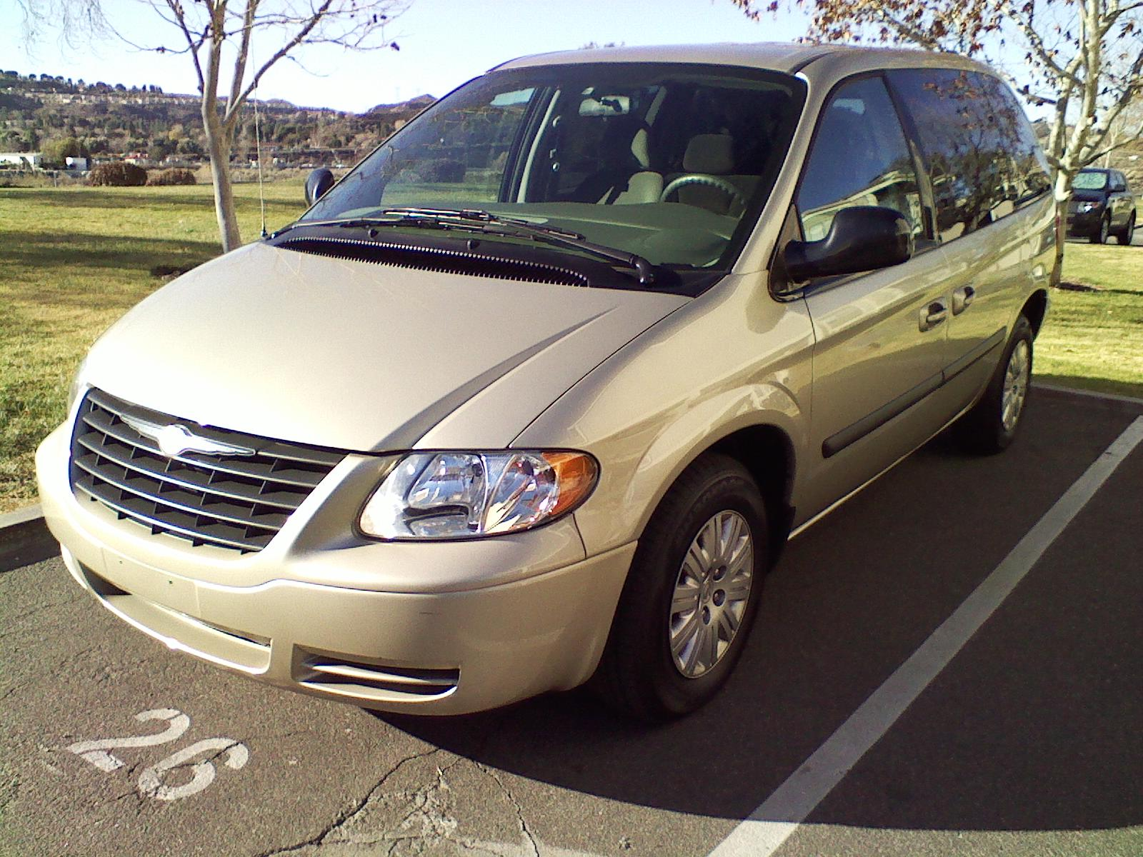 picture of 2006 chrysler town country base exterior. Cars Review. Best American Auto & Cars Review