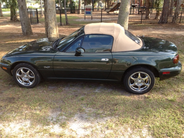 1997 Mazda MX-5 Miata M-Edition, Picture of 1997 Mazda MX-5 Miata 2 Dr M-Edition Convertible, exterior