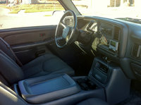 Picture of 2002 Chevrolet Avalanche 1500 4WD, interior, gallery_worthy