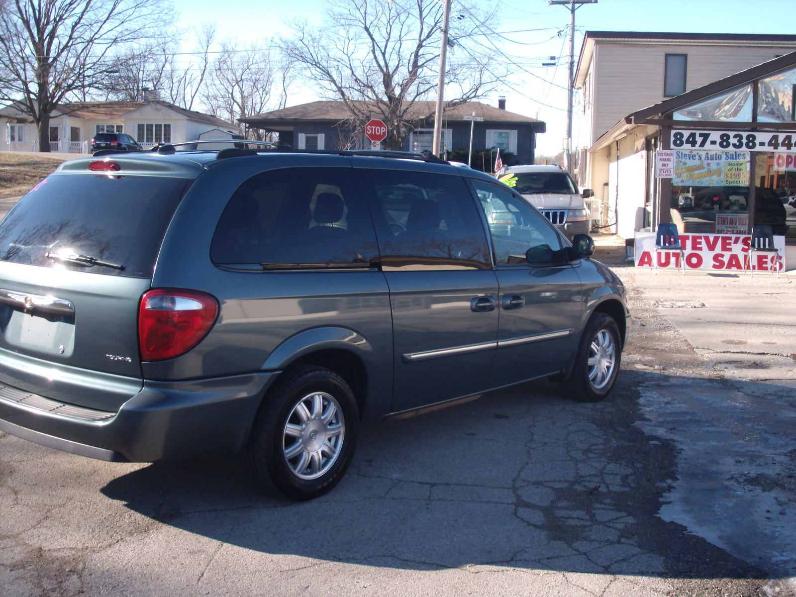 2013 chrysler town amp country reviews specs and autos post. Black Bedroom Furniture Sets. Home Design Ideas