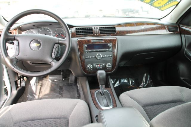 Picture of 2012 Chevrolet Impala LT, interior, gallery_worthy