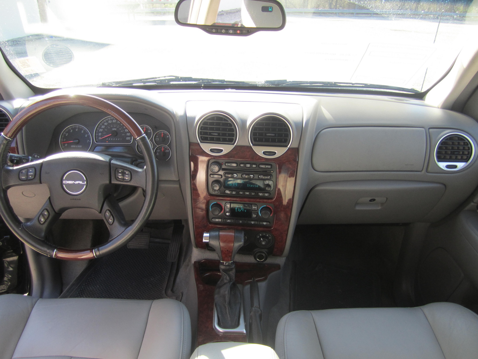 2007 gmc envoy interior. Black Bedroom Furniture Sets. Home Design Ideas