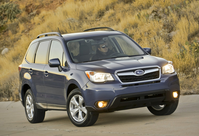 2014 Subaru Forester, Front-quarter view, exterior, manufacturer, gallery_worthy