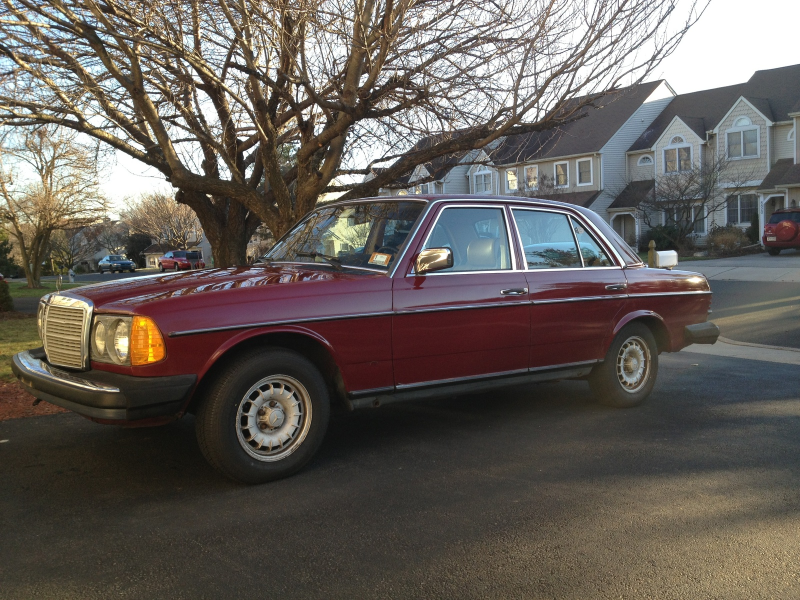1985 mercedes benz 300 class exterior pictures cargurus for Mercedes benz gle 300d review
