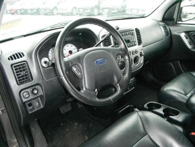 2002 Ford Explorer Xls >> 2004 Ford Escape - Interior Pictures - CarGurus