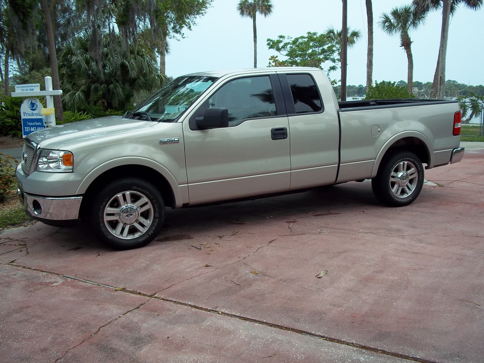 Ford F Lariat Dr Supercab Styleside Ft Sb Pic