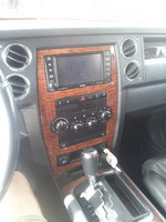 Picture of 2010 Jeep Commander Limited, interior