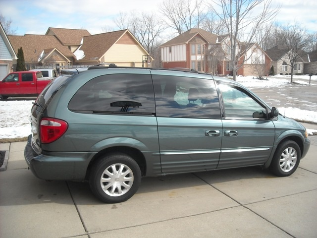 2003 chrysler town  country  pictures  cargurus