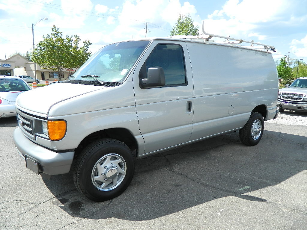 Picture of 2005 Ford Econoline Cargo 3 Dr E-350 Super Duty Cargo Van
