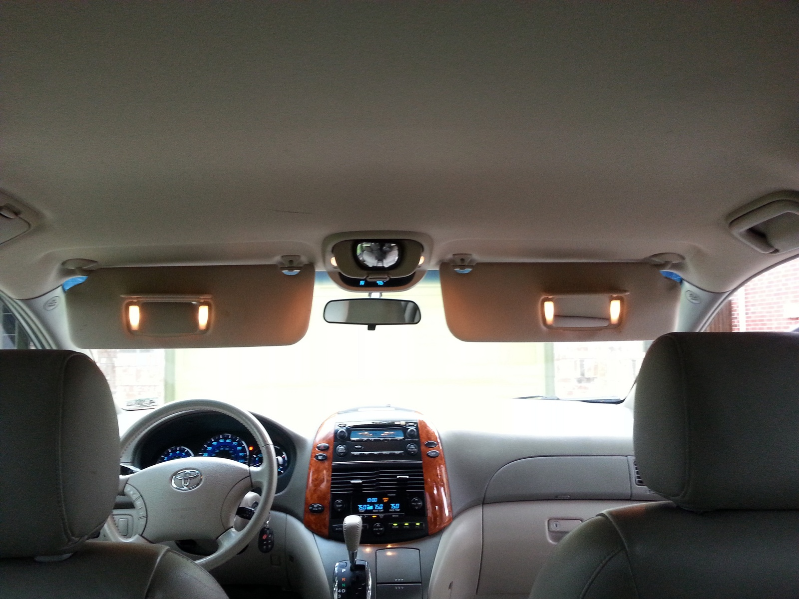 Toyota Sienna Xle Pic