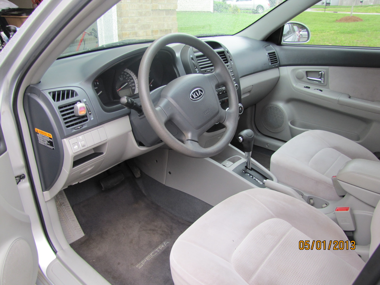2007 kia spectra interior pictures cargurus. Black Bedroom Furniture Sets. Home Design Ideas